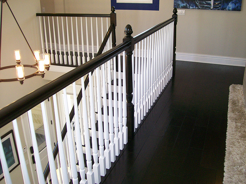 Acorn Top Post And Turned Balusters