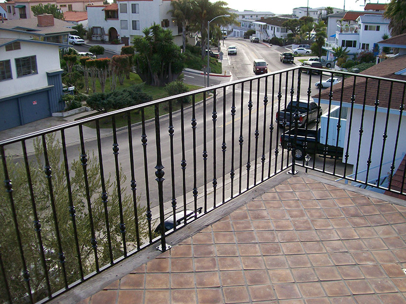 Exterior Deck With Round Knuckels