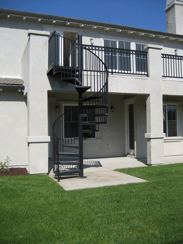 Exterior Spiral With Straight Bars