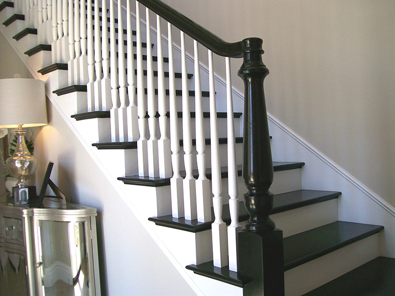 Full Treads And Turned Newel