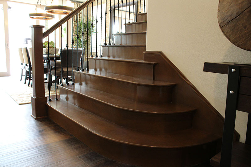 Iron balustrade with full treads and risers