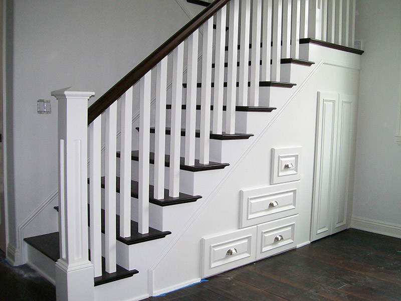 Recessed Panel And Full Treads