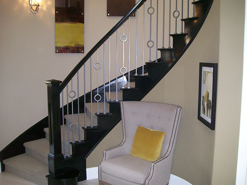 Versatile Iron With Box Newel